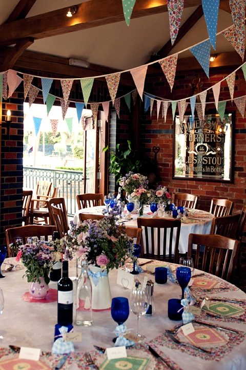 Real Wedding: Last-minute Colourful Country Pub Wedding