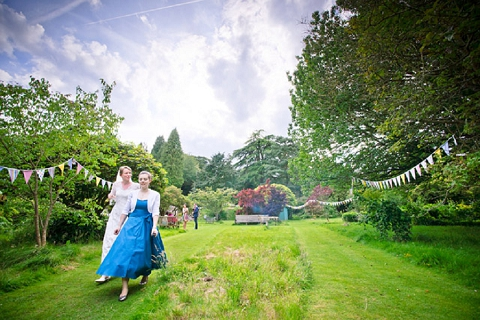 bloved-uk-wedding-blog-real-wedding-summer-garden-party-richard-harris (34)