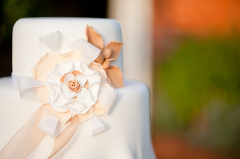 bloved-uk-wedding-blog-styled-shoot-contemporary-gold-white-winter-wedding-inspiration-liesl-cheney (39)