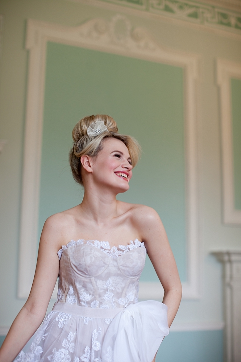 bloved-uk-wedding-blog-how-to-style-a-romantic-wedding-with-bloved-southbound-bride-segerius-bruce-photography (27)