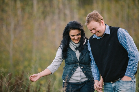 bloved-uk-wedding-blog-love-shoot-something-blue-engagement-shoot-charlene-schreuder (10)