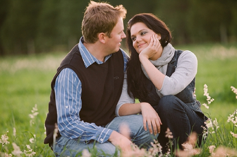 bloved-uk-wedding-blog-love-shoot-something-blue-engagement-shoot-charlene-schreuder (14)