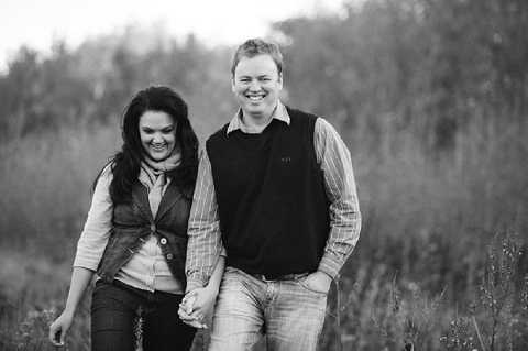bloved-uk-wedding-blog-love-shoot-something-blue-engagement-shoot-charlene-schreuder (7)