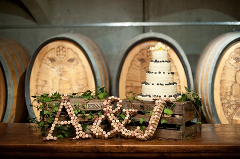 bloved-uk-wedding-blog-real-wedding-autumn-wine-red-a perfectly-foggy-day-fiona-kelly-photography (20)