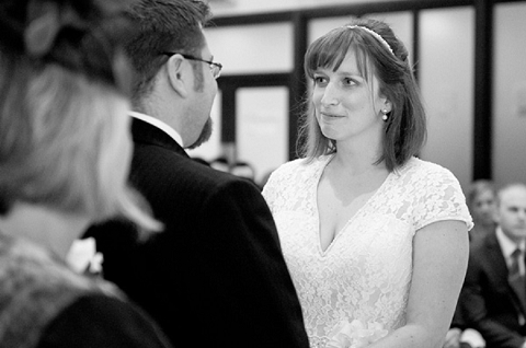 bloved-uk-wedding-blog-real-wedding-autumn-wine-red-a perfectly-foggy-day-fiona-kelly-photography (33)