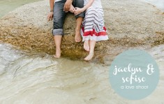 bloved-uk-wedding-blog-cape-town-beach-engagement-by-yolande-marx-ftd