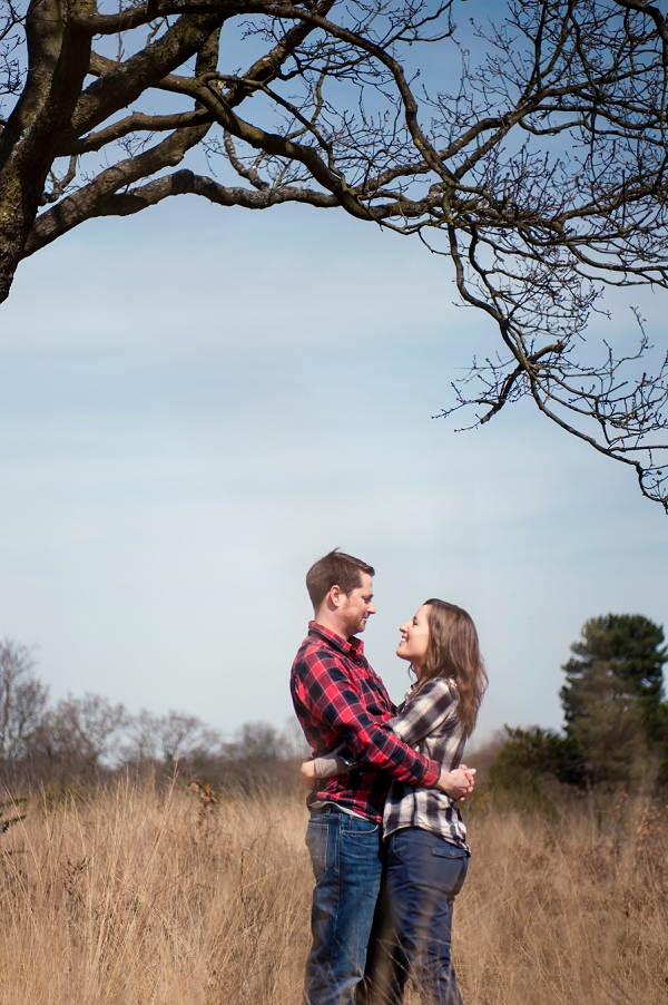 bloved-uk-wedding-blog-beth-adam-engagement-wimbledon-common-by-efc-photography (2)