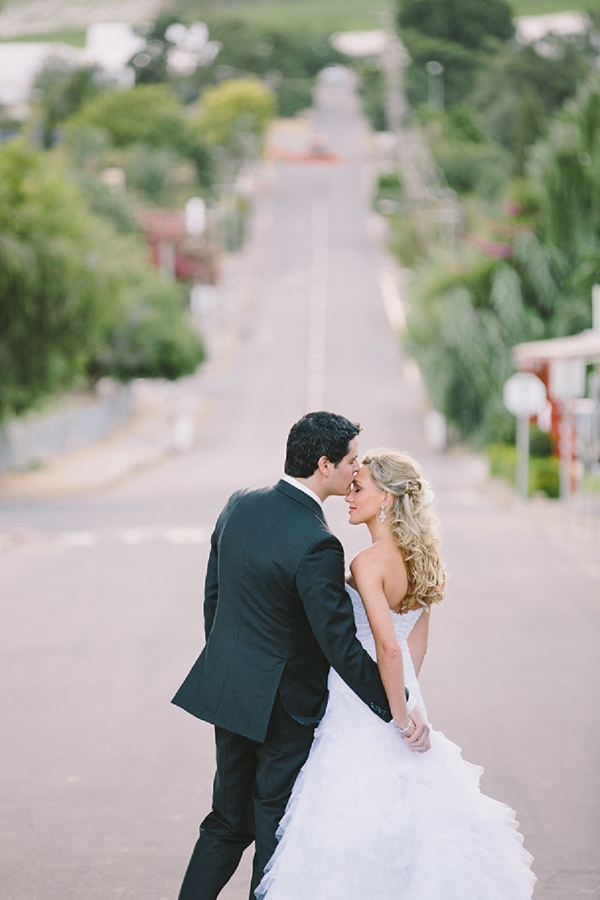bloved-uk-wedding-blog-contemporary-coral-south-africa-wedding-charlene-schreuder (20)