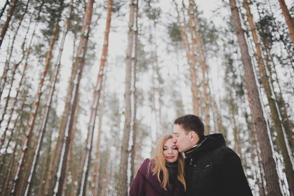bloved-uk-wedding-blog-love-shoot-snow-white-engagement-shoot-photofactory (17)