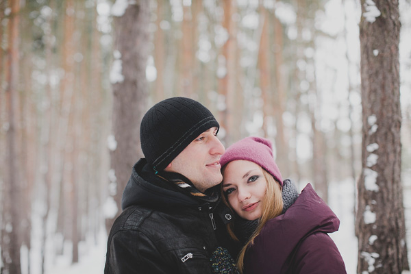 bloved-uk-wedding-blog-love-shoot-snow-white-engagement-shoot-photofactory (5)