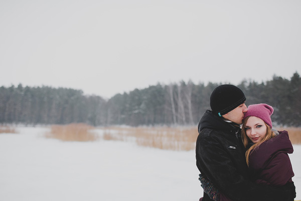 bloved-uk-wedding-blog-love-shoot-snow-white-engagement-shoot-photofactory (9)