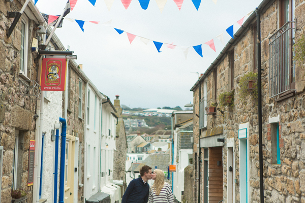 bloved-uk-wedding-blog-St-Ives-beach-engagement-shoot-debs-ivelja (26)