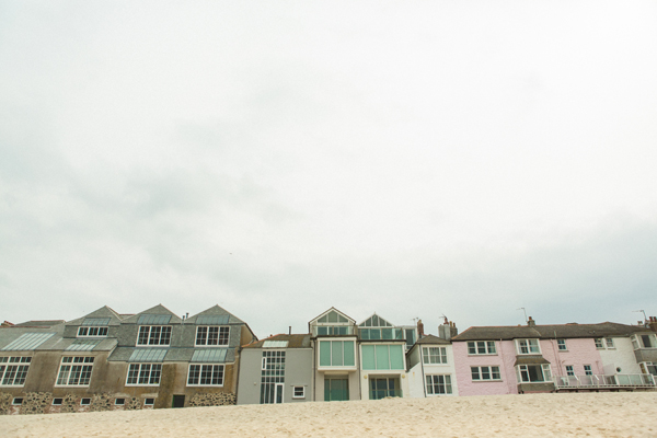 bloved-uk-wedding-blog-St-Ives-beach-engagement-shoot-debs-ivelja (28)