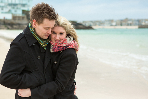 bloved-uk-wedding-blog-St-Ives-beach-engagement-shoot-debs-ivelja (8)