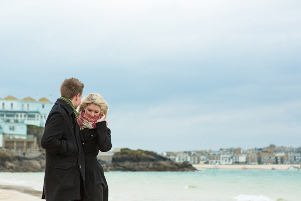 bloved-uk-wedding-blog-St-Ives-beach-engagement-shoot-debs-ivelja (9)