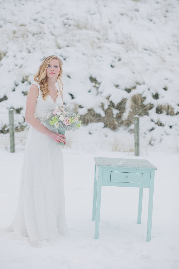 bloved-uk-wedding-blog-dream-winter-wedding-inspiration-jennifer-hejna (11)