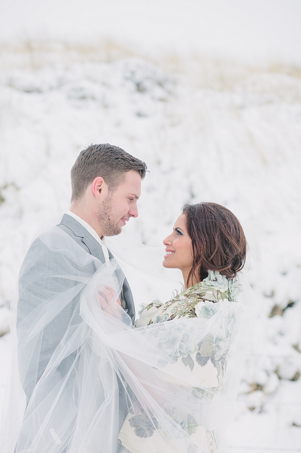 bloved-uk-wedding-blog-dream-winter-wedding-inspiration-jennifer-hejna (8)