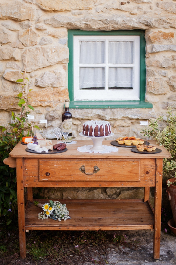 bloved-uk-wedding-blog-rustic-portuguese-inspiration-piteira-photography (3)