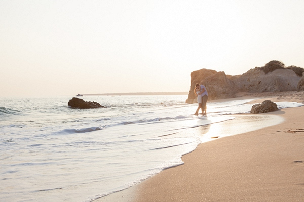 bloved-uk-wedding-blog-algarve-beach-engagement-shoot-matt-lena-photography (10)