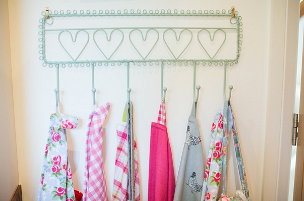bloved-uk-wedding-blog-pink-aqua-diy-boho-wedding-katherine-ashdown (5)