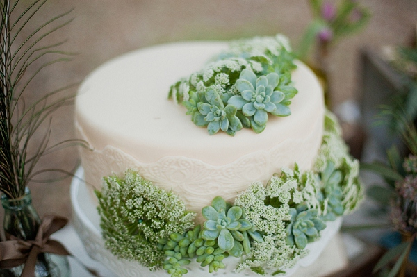 bloved-uk-wedding-blog-rustic-vintage-romance (14)