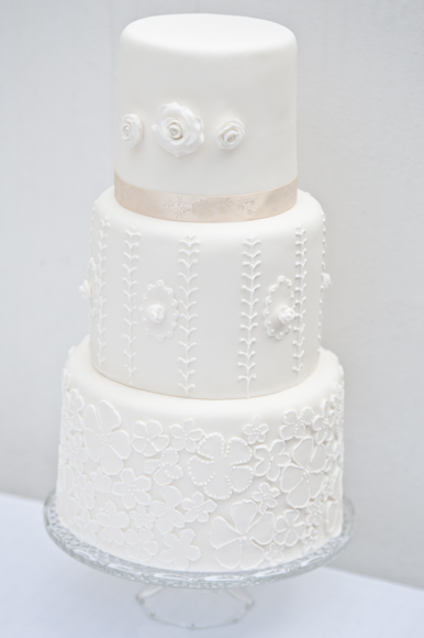 bloved-uk-wedding-blog-top-5-wedding-cakes (2)