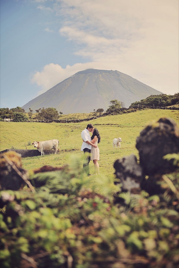 bloved-uk-wedding-blog-vintage-azores-engagement-styled-shoot-dreamakers (1)
