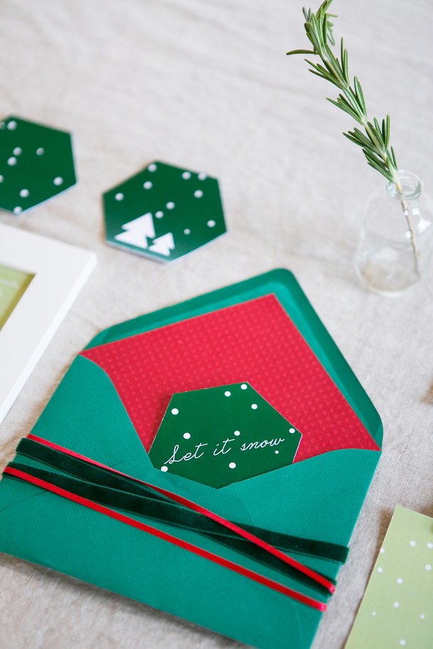 bloved-uk-wedding-blog-the-style-guide-festive-red-green-stationery-anneli-marinovich-photography (4)
