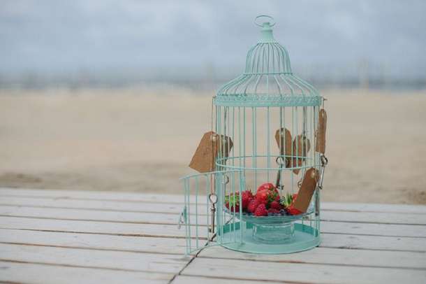 bloved-uk-wedding-blog-tiffany-blue-beach-inspiration-shoot (3)