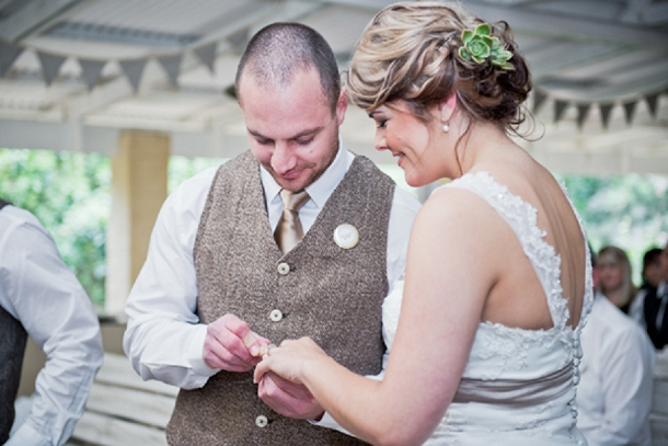 bloved-uk-wedding-blog-rustic-plantation-wedding (22)