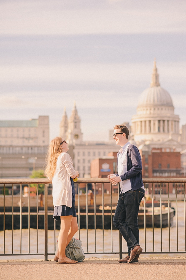 bloved-uk-wedding-blog-london-anniversary-shoot-to-have-to-hold-photography (1)