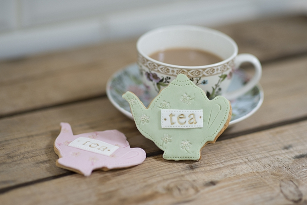 bloved-uk-wedding-blog-nila-holden-artisan-cookies (11)
