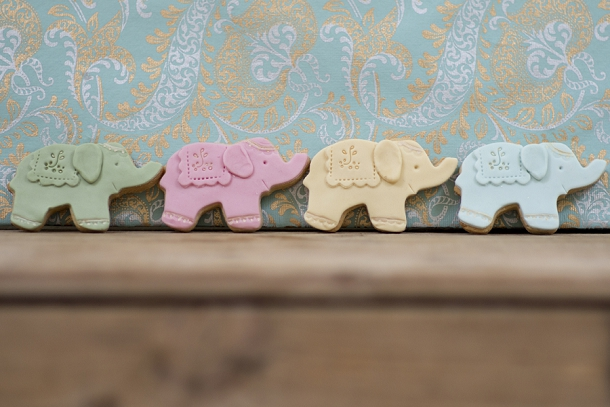 bloved-uk-wedding-blog-nila-holden-artisan-cookies (12)