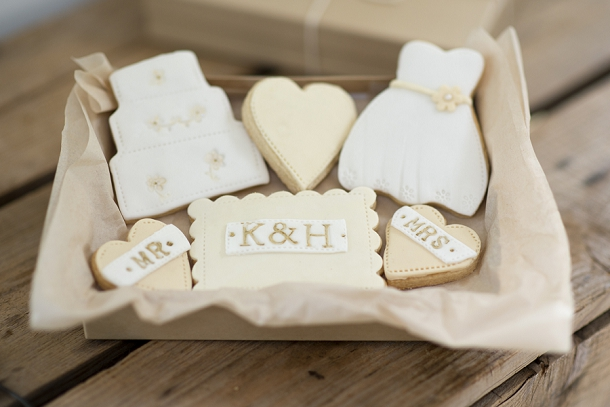 bloved-uk-wedding-blog-nila-holden-artisan-cookies (13)