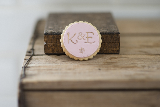 bloved-uk-wedding-blog-nila-holden-artisan-cookies (6)