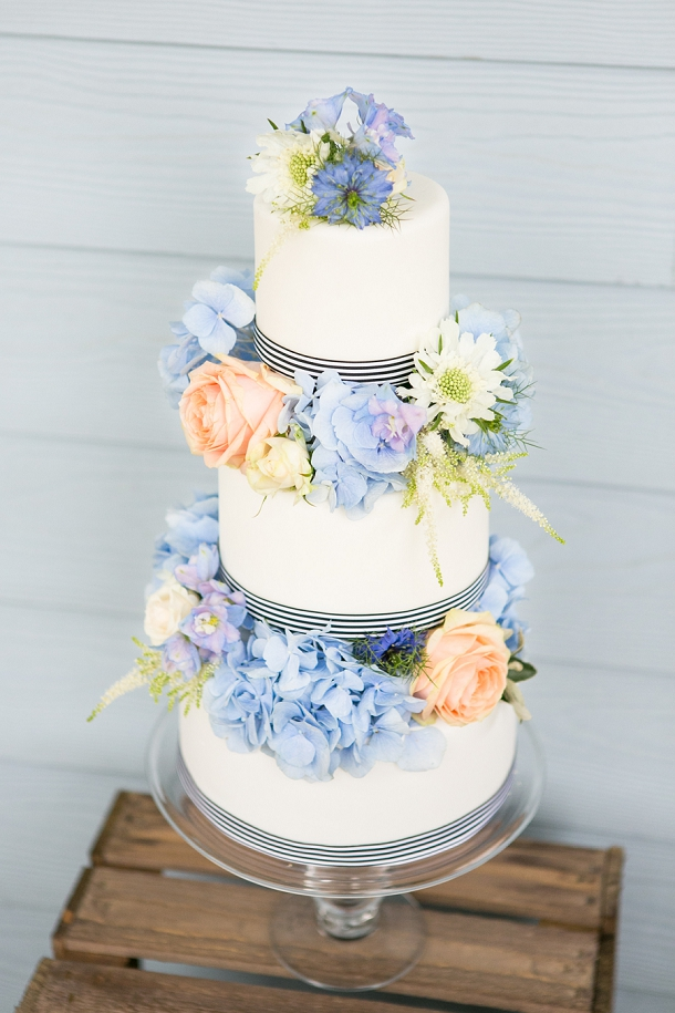 bloved-uk-wedding-blog-the-new-england-issue-cakes-anneli-marinovich-photography (4)