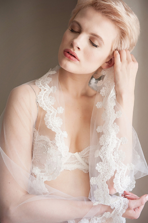 bloved-uk-wedding-blog-unveiled-bridal-boudoir-fiona-kelly-photography-bloved-styling (22)