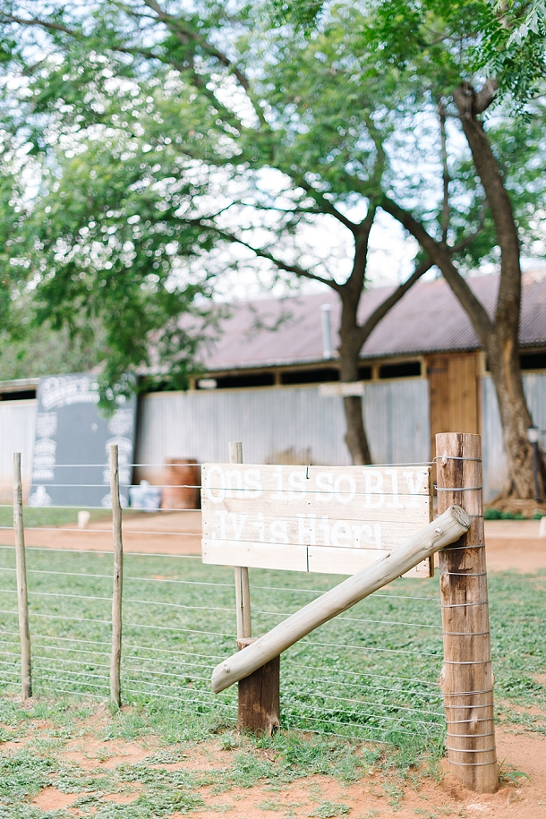 bloved-uk-wedding-blog-deconstructed-elegance-farm-wedding-louise-vorster (1)
