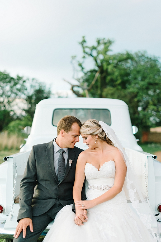 bloved-uk-wedding-blog-deconstructed-elegance-farm-wedding-louise-vorster (47)