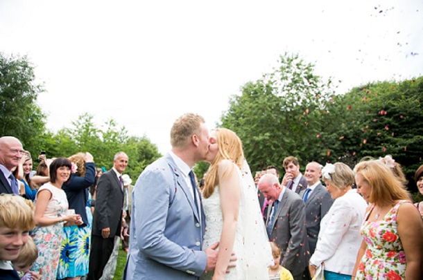 bloved-uk-wedding-blog-english-garden-party-wedding-katherine-ashdown (25)