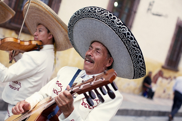bloved-uk-wedding-blog-rustic-mexican-fiesta-charley-smith (45)