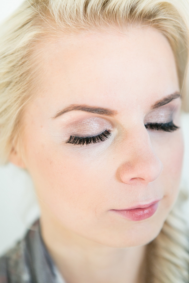 bloved-uk-wedding-blog-spring-green-style-guide-makeup-tutorial-anneli-marinovich (5)