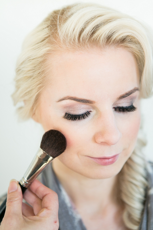 bloved-uk-wedding-blog-spring-green-style-guide-makeup-tutorial-anneli-marinovich (6)