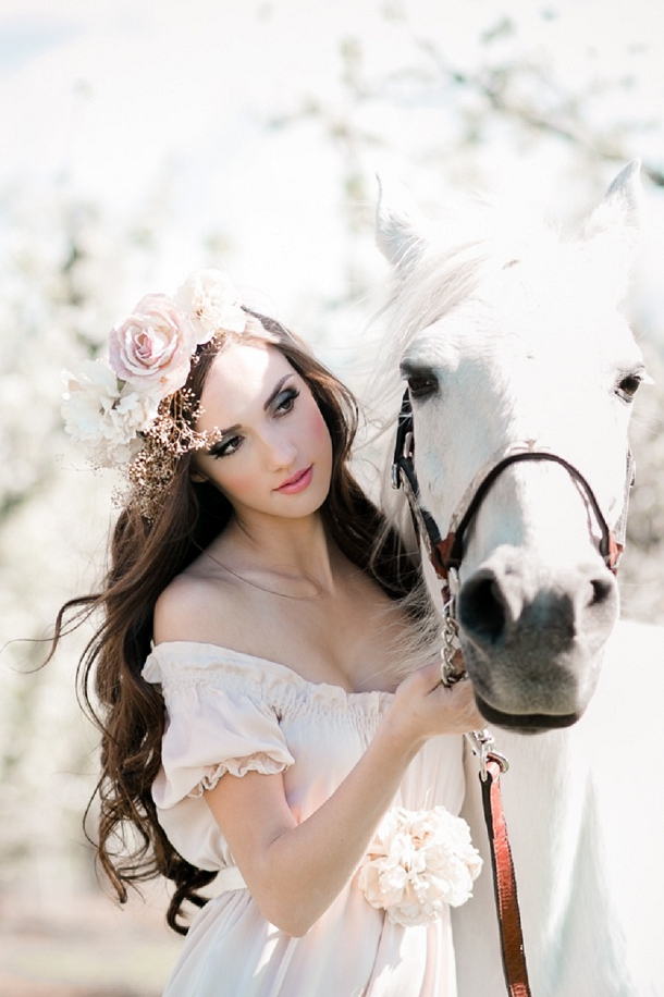 Romantic wedding Ideas with a white horse