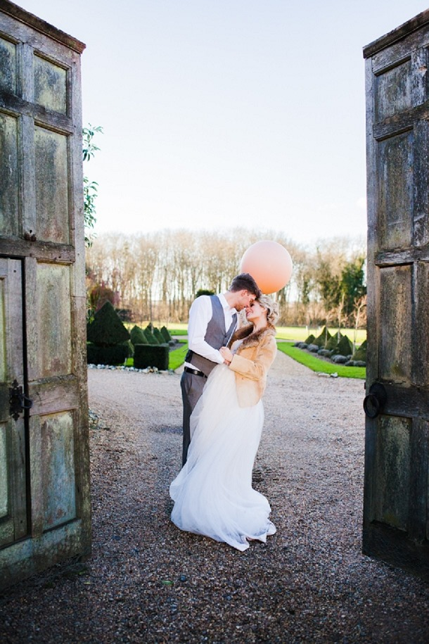 bloved-uk-wedding-blog-a-modern-fairytale-tatum-reid-photography (27)