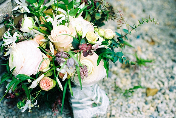 Blush & berry wedding bouquet