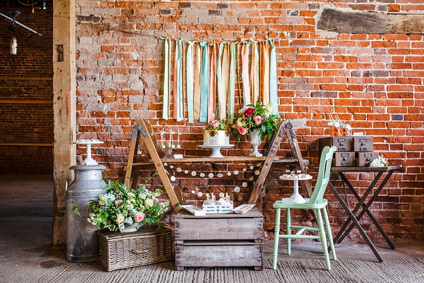 Rustic styling with wooden ladders & crats