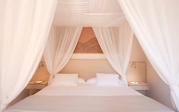 Mr & Mrs Smith's picks for romantic september sunshine honeymoons on www.blovedweddings.com