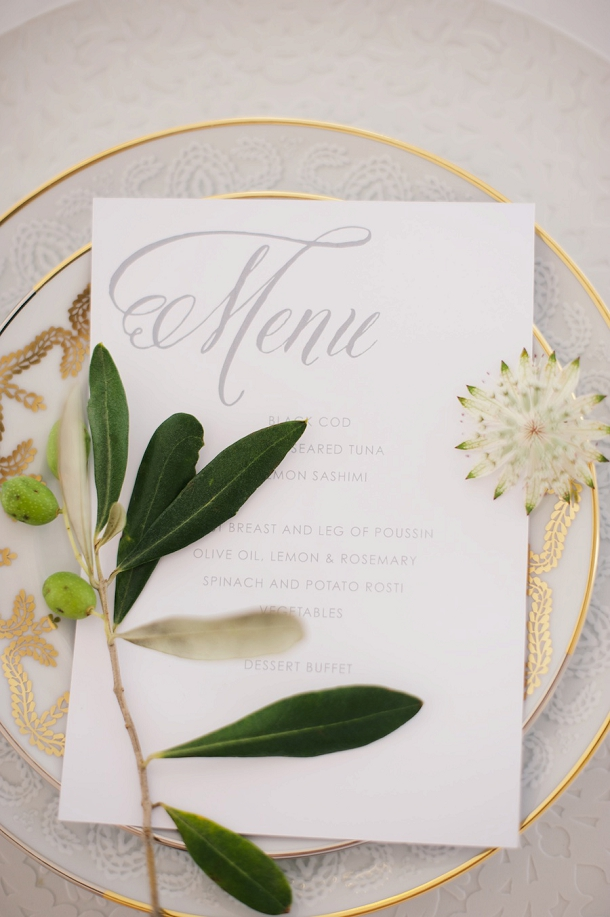 bloved-uk-wedding-blog-fresh-contemporary-green-white-inspiration-kate-nielen-photography (1)