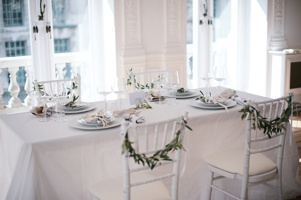 bloved-uk-wedding-blog-fresh-contemporary-green-white-inspiration-kate-nielen-photography (3)